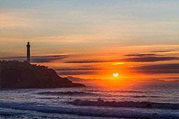 Surf plage Anglet, phare de Biarritz