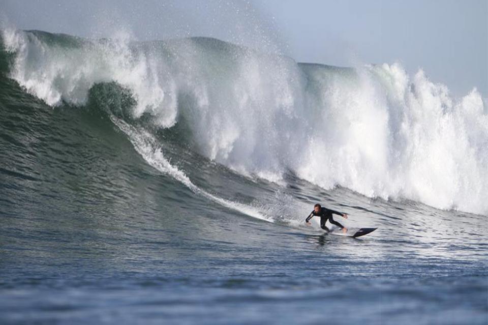 Black Gun surf action dans un Joli Guethary